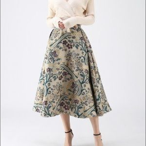 Vintage Style Embroidered Bouquet Full Skirt